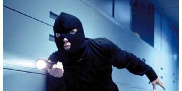 Gangster mit Wunschliste auf Raubzug