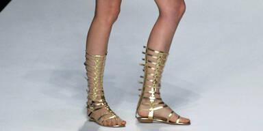 Fashionistas tanzen wie die jungen Römerinnen