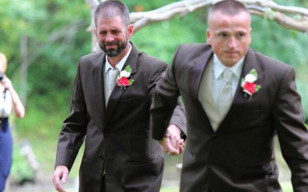 Papa & Stiefvater führen Braut zum Altar