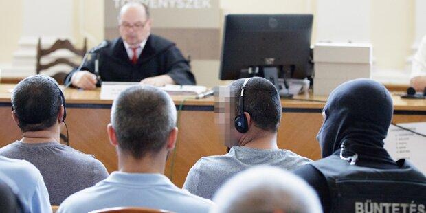 A4-Drama: Prozess gegen Schlepper begonnen
