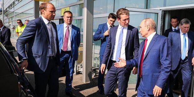 Kurz: Am Flughafen noch Gespräch mit Putin