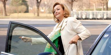 Regierung: 260.000 € für Taxifahrten
