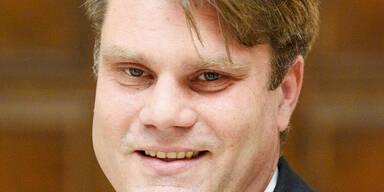 Kabinettsmitarbeiter von Spindi soll VP-General werden