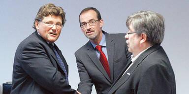Metall-Gewerkschaftschef R. Wimmer (l.), Industrie-Chefverhandler C. Hinteregger.