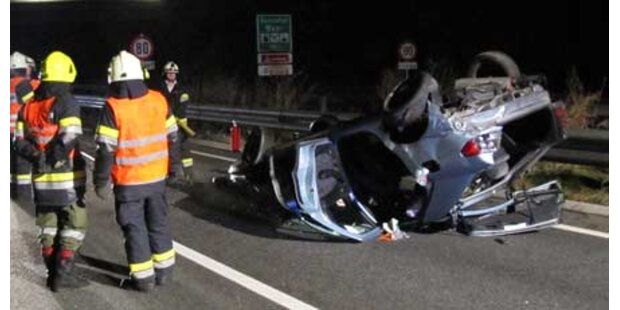 Alk-Unfälle: Auto flog 120 Meter