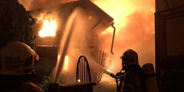 Explosions-Alarm: Groß-Einsatz, Nachbarhäuser gerettet