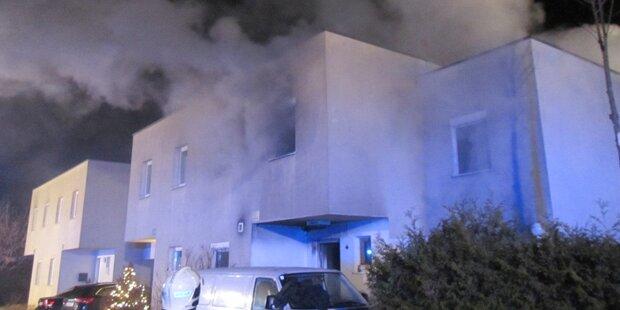 Acht Verletzte nach Brand in Reihenhaus