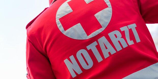Fußgänger in Tirol von Auto erfasst und schwer verletzt