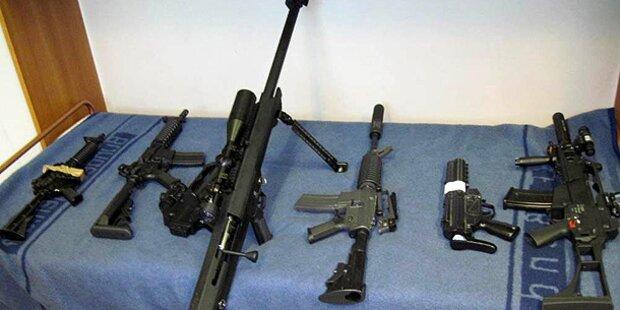 Polizei findet Waffen bei NPD-Mitgliedern