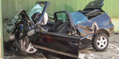 Lenker verlor Kontrolle: Zwei Tote