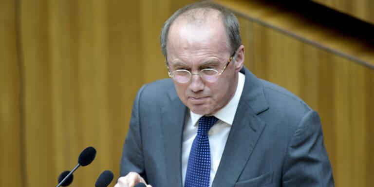 Karas kritisiert Putin-Einladung