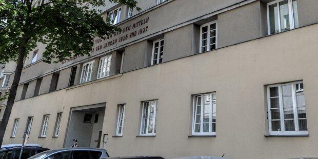 Wien: Kleinkind (1) stürzt aus Fenster