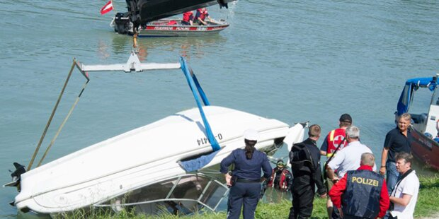 Unfall: Mann steckte mit Enkeln unter Boot fest