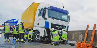 Verkehrsunfall führte zu 5 km langen Stau