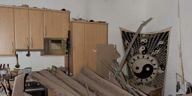 Holzdecke in Wohnhaus eingestürzt