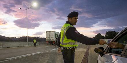 Österreich verlängert Grenzkontrollen