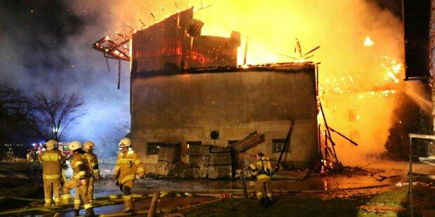 Horror-Unfall von Feuerwehrauto - 7 Verletzte