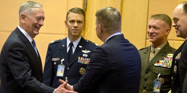 Trump-Mann droht der NATO