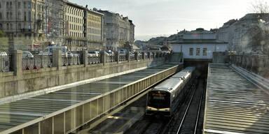 U-Bahn erfasst flüchtenden Räuber