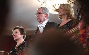 Im Schatten der Trauer: Opernball: Das war die Eröffnung
