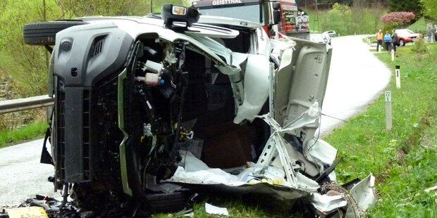 Paketzusteller bei Horror-Crash getötet