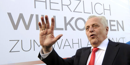 Hofburg-Wahl: Wahlkampf-Auftakt für Hundstorfer