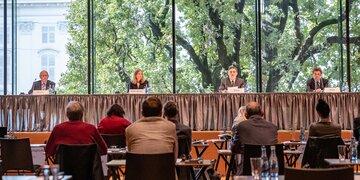 """Ergebnisse der Kommission: Ischgl-Bericht: """"Folgenschwere Fehleinschätzungen"""""""