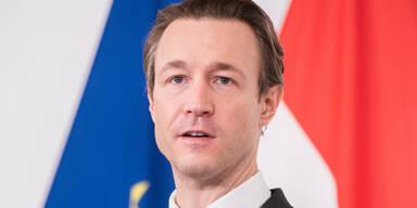 Finanzminister Blümel verspricht Unternehmen Lockdown-Hilfe binnen 14 Tagen