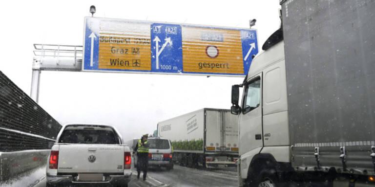Wintereinbruch führt zu Verkehrschaos