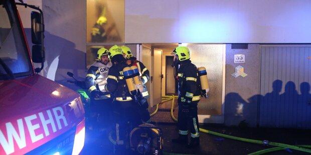 Brand in Wohnhaus gelegt: 21 Verletzte