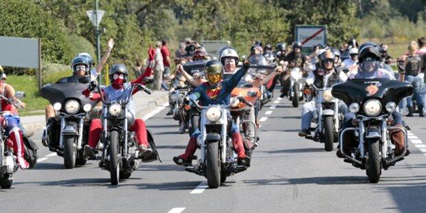 25.000 Bikes bei Harley-Parade
