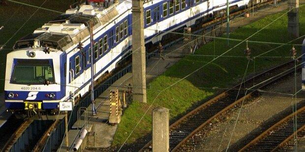S-Bahn kollidiert mit Güterzug: Zwei Verletzte