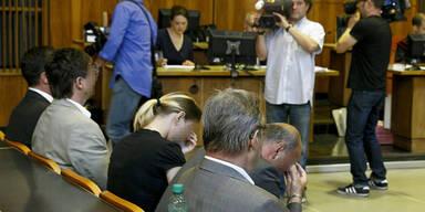 Listerien: 2 Angeklagte bekennen sich schuldig.