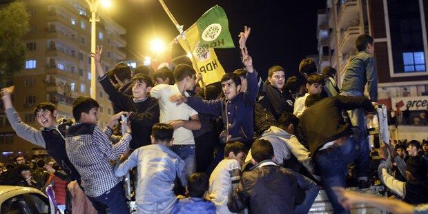 Türkei: Zusammenstöße wegen Wahlergebnis