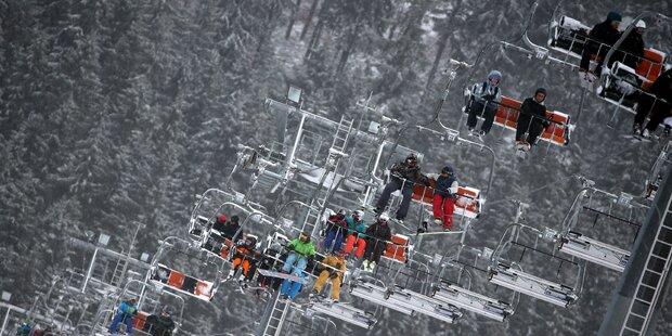 Lift-Unfall in Kärnten: 21 Skifahrer steckten fest