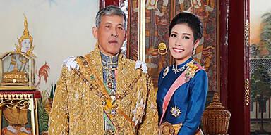 Thailand König Maha Vajiralongkorn Sineenat Bilaskalayani