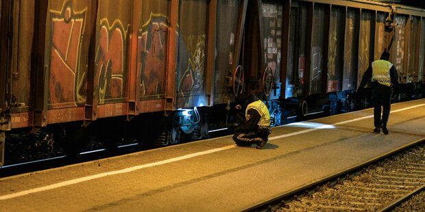 Zwölf Flüchtlinge auf Güterzug in Tirol aufgegriffen