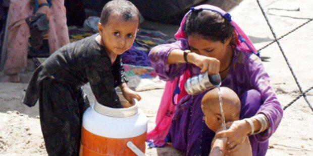 Hilfeschrei der Flut-Kinder