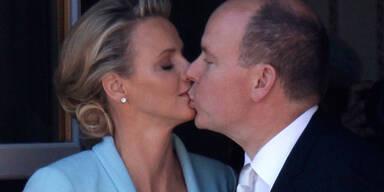 Fürst Albert und Charlene Hochzeit: Der Kuss
