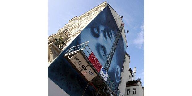 Helnwein zeigt in Wien sein Fresko für die Umwelt