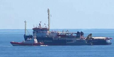 Kapitänin von Flüchtlingsschiff in Italien verhaftet