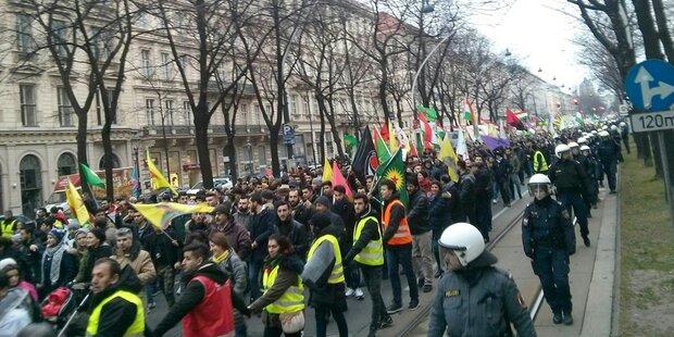 Erdogan-Fans attackieren Demonstranten
