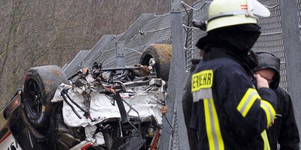Feuerwehrmann findet seine sterbende Frau in Unfallwrack