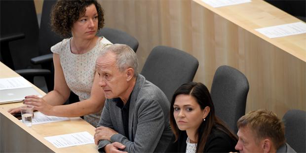 Frauen-Protest bei Pilz-Comeback, Bißmann-Ausschluss ungewiss