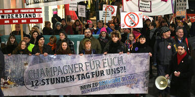 "Demo gegen Regierung & ""Burschenundball"" legt City lahm"