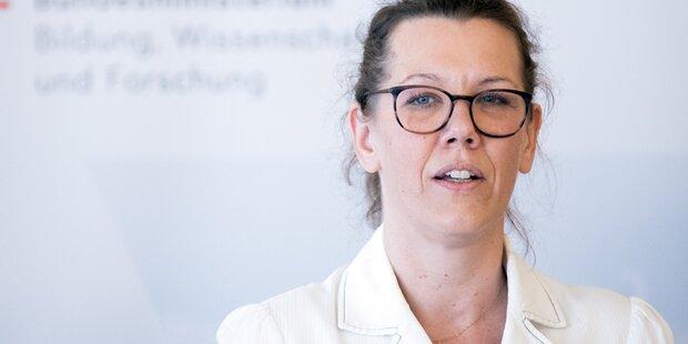 Neue Bildungsministerin gibt ihre Homosexualität bekannt