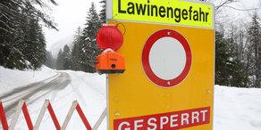 Verkehrs-Chaos durch Schnee & Lawinen