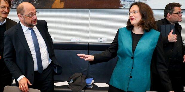 SPD-Spitze droht Merkels Union: