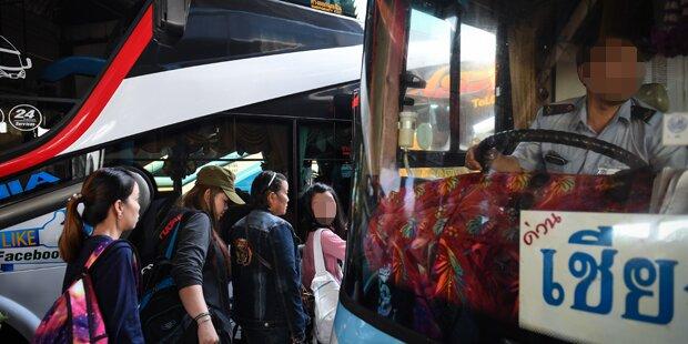 In Schulbus vergessene 3-Jährige erstickt