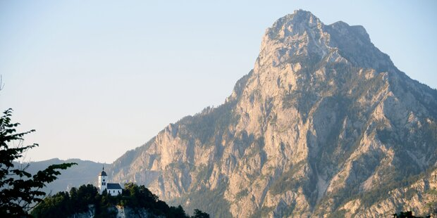 Bergsteiger stürzte am Traunstein 200 Meter in den Tod